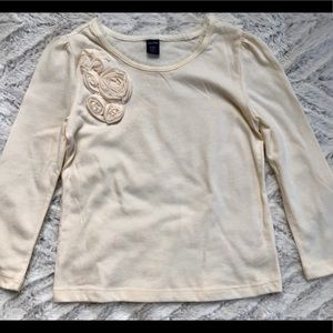 GAP Shirts & Tops - New GAP Creme Longsleeve Shirt with Flower 3T